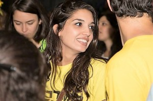 Reut yellow tshirt