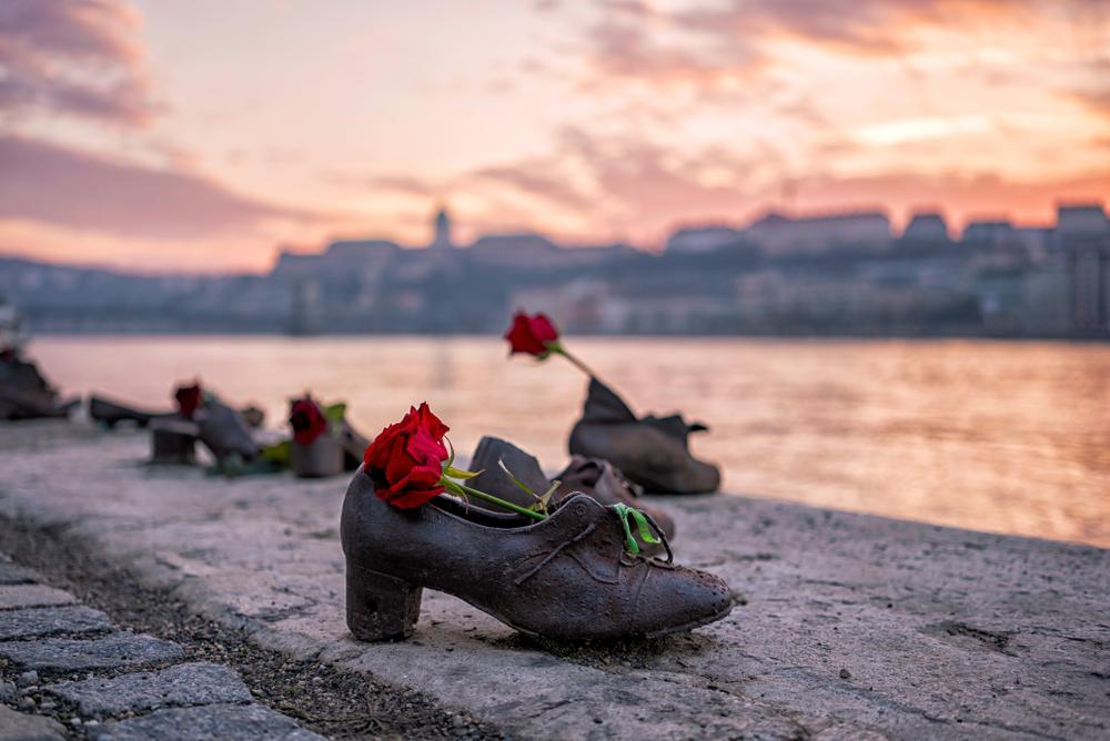 Yom Ha'shoah shoes on the danube pic